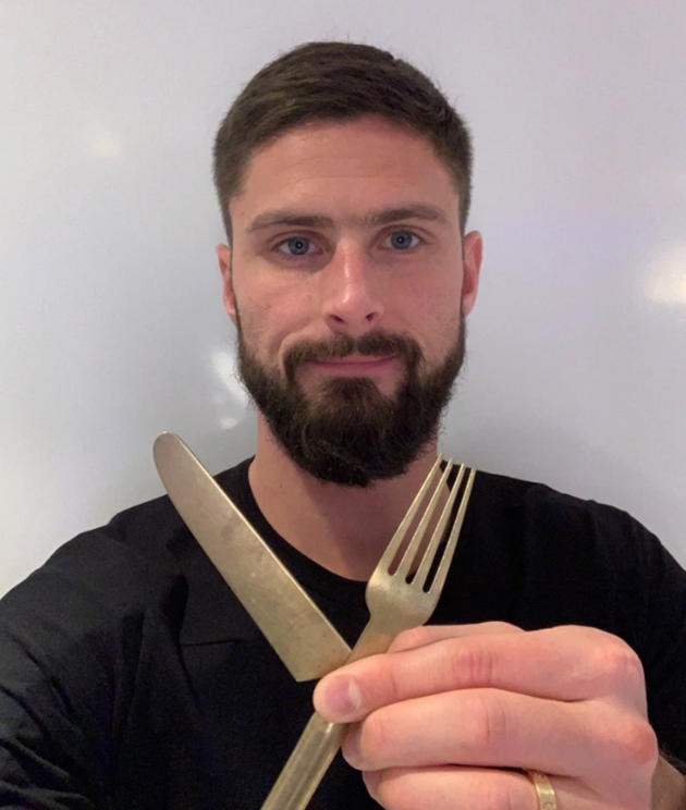 How Chelsea star Olivier Giroud, 34, defies his years with a strict diet and tough fitness plan to keep scoring - Bóng Đá