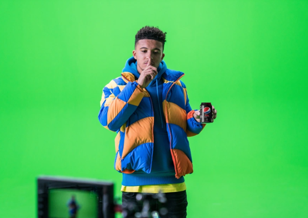Watch Lionel Messi, Paul Pogba and Jadon Sancho star in epic new Pepsi Max advert and trio show off flicks and tricks - Bóng Đá