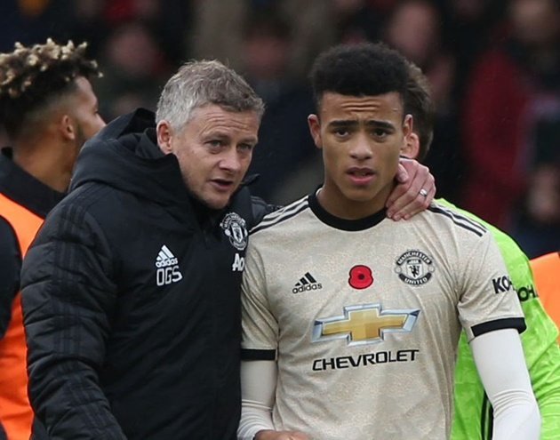 Greenwood is selfish' – These Man United fans disappointed by 'average' wonderkid after team's disappointing first-half against Crystal Palace - Bóng Đá