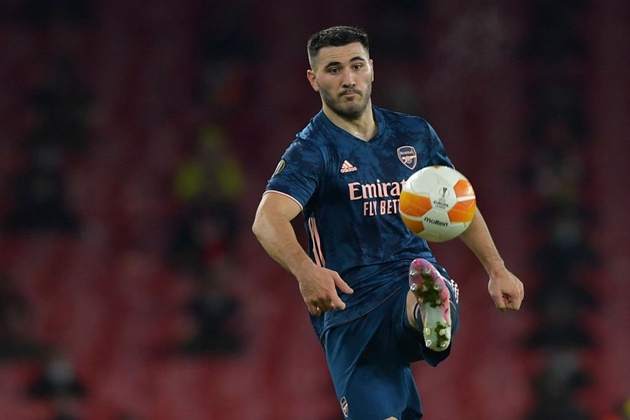 ARSENAL MAN COULD TAKE HUGE PAY CUT TO LEAVE EMIRATES, MAY LOSE £70K A WEEK - Bóng Đá