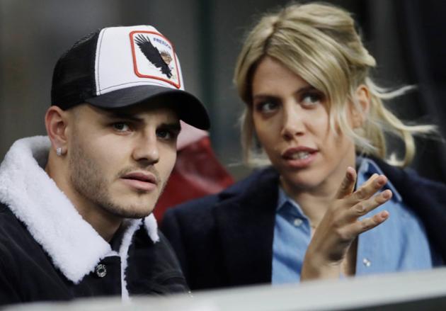PSG star Mauro Icardi 'romps with stunning wife Wanda Nara 12 times a DAY' - Bóng Đá