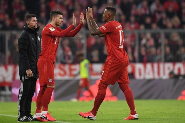 Bayern chào đón sự trở lại của Boateng và Hernandez trước trận PSG - Bóng Đá