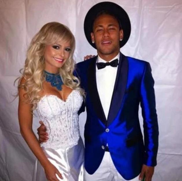 PSG star Neymar's amazing string of ex-girlfriends - Bóng Đá