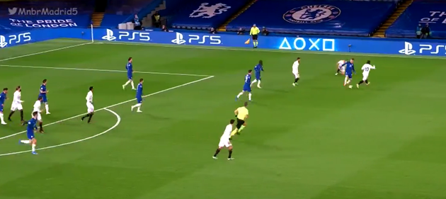 Timo Werner-N'Golo Kanté combination forces yet another Thibaut Courtois intervention - Bóng Đá