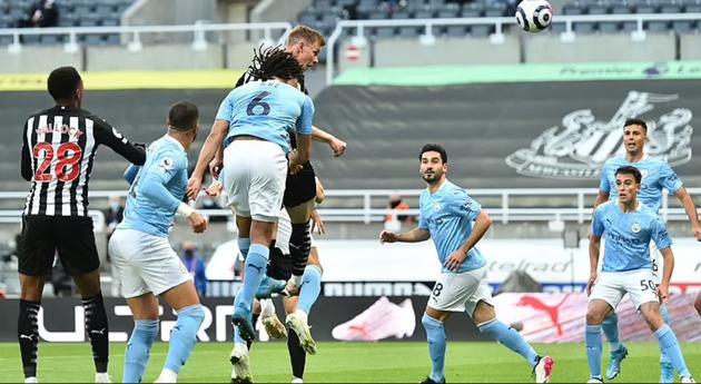 Man City rượt đuổi nghẹt thở ở trận cầu 7 bàn - Bóng Đá