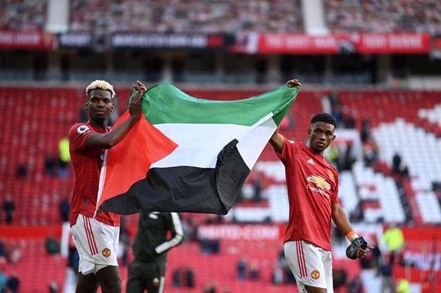 Ole Gunnar Solskjaer comments on Paul Pogba and Amad carrying Palestinian flag - Bóng Đá