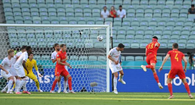 TRỰC TIẾP Wales 1-1 Thụy Sĩ: Đánh đầu quá hay! (H2) - Bóng Đá