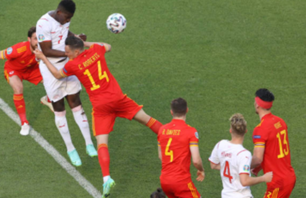 Daniel James shocked after being hauled off seconds after Wales equalise versus Switzerland in Euros opener - Bóng Đá