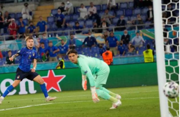 TRỰC TIẾP Ý 2-0 Thụy Sĩ: Immobile bỏ lỡ đáng tiếc (H2) - Bóng Đá
