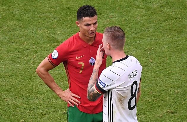 Kroos tiết lộ về cuộc nói chuyện với Ronaldo - Bóng Đá