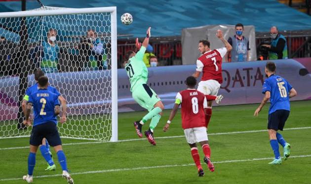 TRỰC TIẾP Ý 0-0 Áo: Azzurri suýt bị thủng lưới (H2) - Bóng Đá