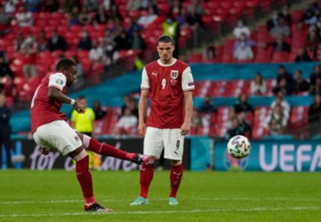 TRỰC TIẾP Ý 0-0 Áo: Sóng gió liên hồi (H2) - Bóng Đá