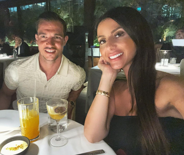 Arsenal star Cedric Soares recharged for pre-season after exotic holiday with stunning wife  - Bóng Đá
