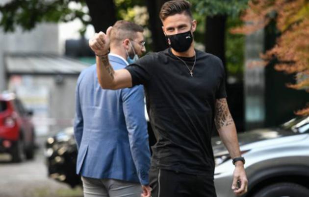 Ảnh Giroud ra mắt AC Milan - Bóng Đá