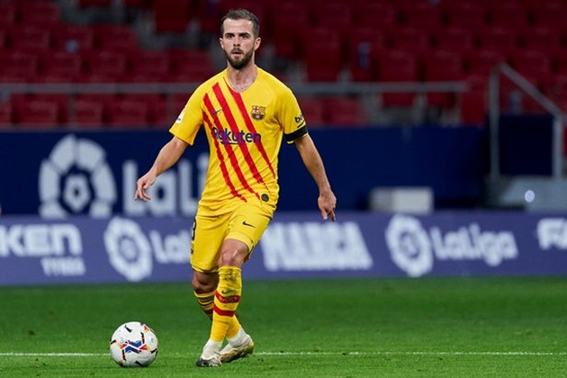 What Miralem Pjanic's agent has done amid Arsenal, Chelsea and Tottenham transfer links - Bóng Đá