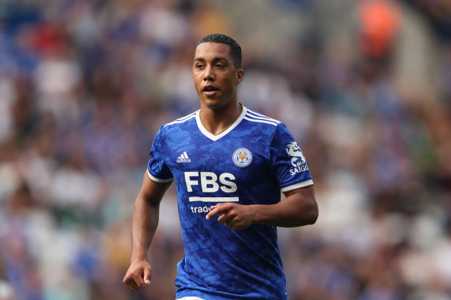Youri Tielemans offers transfer hope to Liverpool and Manchester United with Leicester star 'keeping options open' - Bóng Đá