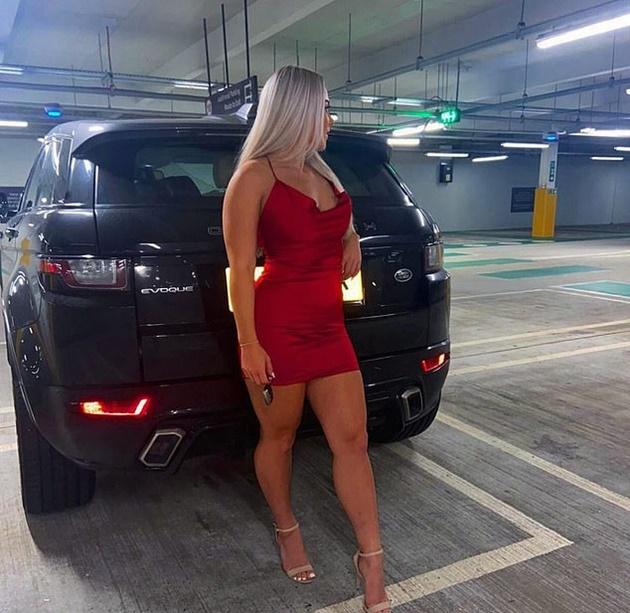 Madelene Wright shows off legs in stunning dress as ex-football star - Bóng Đá