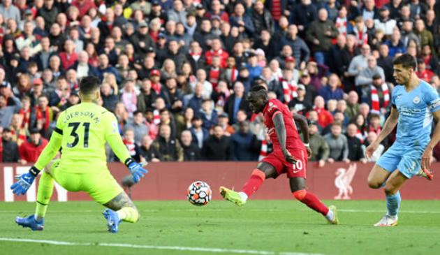 Đôi công rực lửa, Liverpool bất phân thắng bại với Man City
