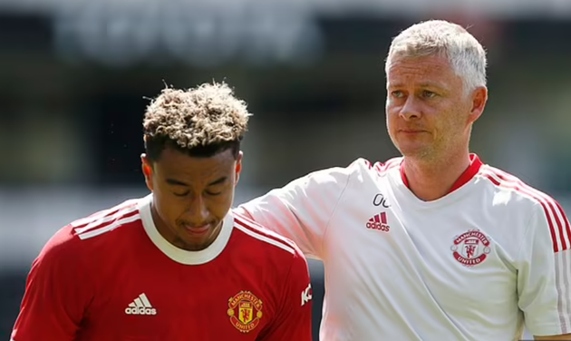 Barcelona and AC Milan are at the front of the queue to sign Jesse Lingard - Bóng Đá