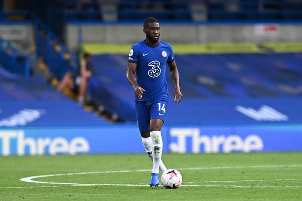 Chelsea could offer Fikayo Tomori as part of transfer swap deal to sign AC Milan midfielder Franck Kessie - Bóng Đá