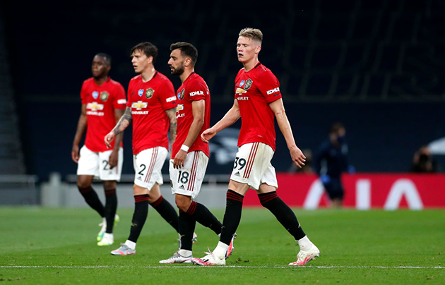 Manchester United are on the 'verge of a MELTDOWN', says Paul Merson - Bóng Đá