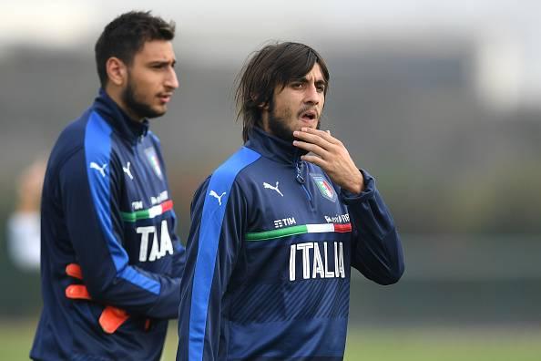 Napoli vào cuộc, Milan coi chừng mất cả chì lẫn chài - Bóng Đá