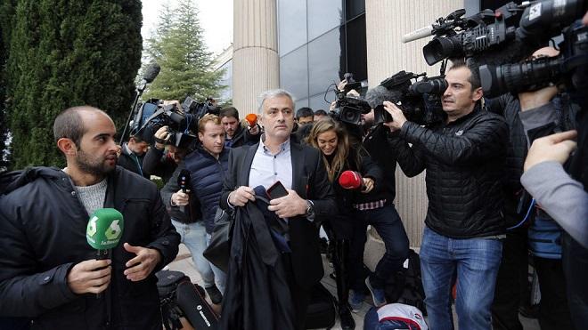 CHÍNH THỨC: Mourinho nhận án tù 1 năm vì trốn thuế - Bóng Đá