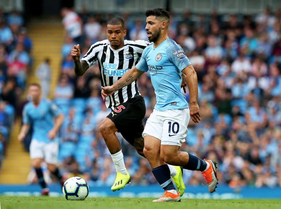 Aguero chấn thương, Man City lao đao trước ngày gặp Liverpool - Bóng Đá