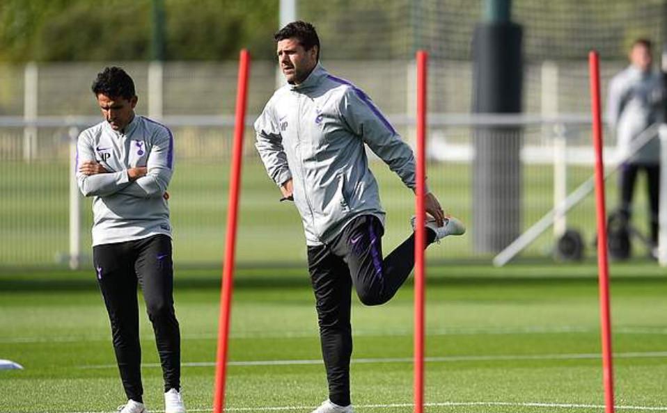 Hết Man Utd, phòng thay đồ Tottenham bắt đầu nổi sóng - Bóng Đá