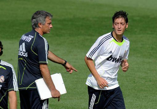 Vì sao Mourinho không cần Ozil tại Man Utd? - Bóng Đá