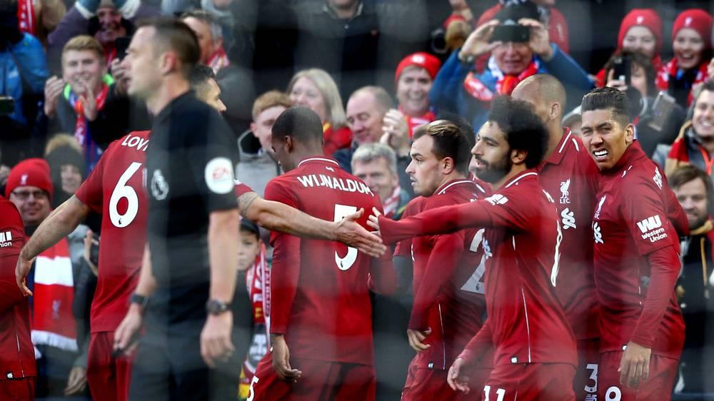 Klopp lần đầu nói về vẻ mặt 'đưa đám' khi ghi bàn của Salah - Bóng Đá