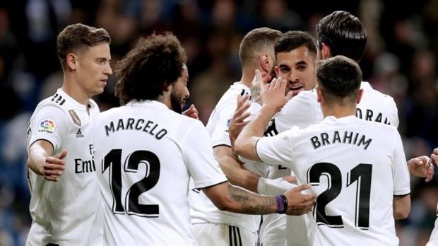 Diệt gọn Real giúp Barcelona vượt mặt Man Utd trên MXH - Bóng Đá