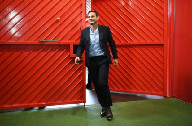Lampard hùng hồ dẫn Chelsea tiến đánh Old Trafford - Bóng Đá