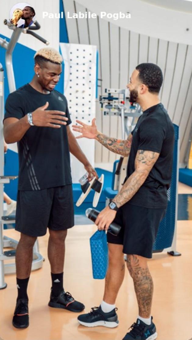 Pogba bất ngờ gặp lại 'bom xịt' Man Utd trong phòng gym - Bóng Đá