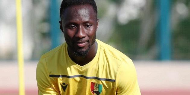 HLV Guinea ''phản pháo'' Liverpool: ''Anh ấy đã tập luyện đến 200%'' - Bóng Đá