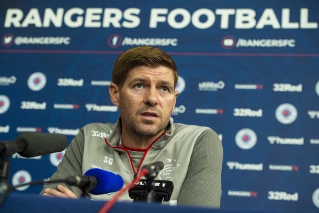 Gerrard reveals one last attempt to sign Kent before bringing in Man City winger Barker to Rangers - Bóng Đá