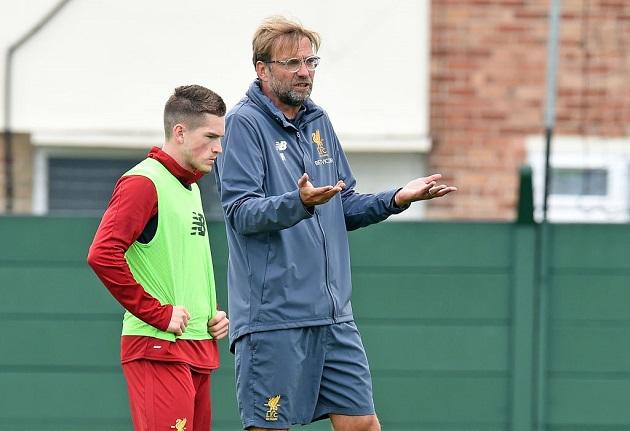 Gerrard issues update on his pursuit of Ryan Kent - Bóng Đá