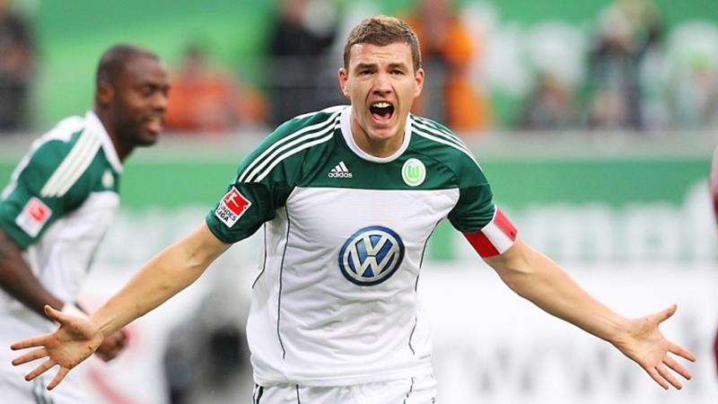 Edin Dzeko, sát thủ vừa gia hạn hợp đồng với AS Roma là ai? - Bóng Đá