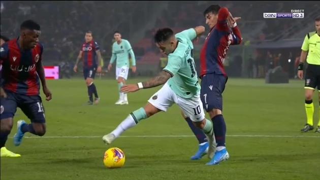 Người hâm mộ Inter Milan nói gì về quả penalty của Martinez và ROnaldo - Bóng Đá