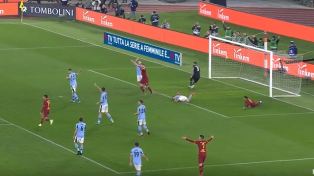 Smalling mắc sai lầm, AS Roma bất phân thắng bại với Lazio - Bóng Đá
