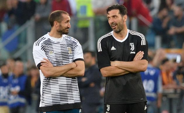 Juventus gia hạn hợp đồng với Chiellini và Buffon - Bóng Đá