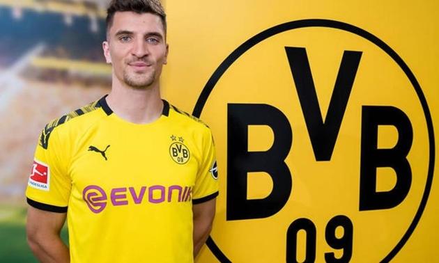CHÍNH THỨC: Dortmund chiêu mộ thành công Thomas Meunier - Bóng Đá