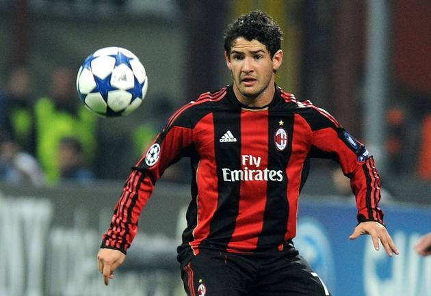 Pato chuẩn bị gia nhập Genoa - Bóng Đá