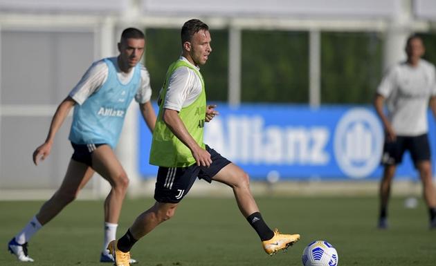 Weston McKennie kiểm tra y tế tại Juventus - Bóng Đá