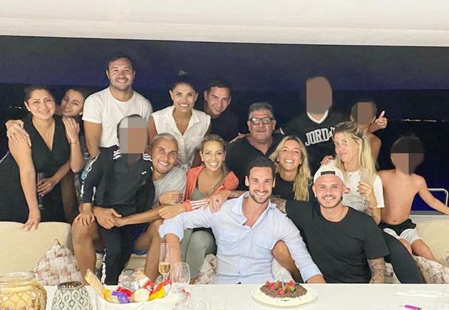 Icardi đi dự sinh nhật Sergio Rico dù nhiễm COVID-19 - Bóng Đá