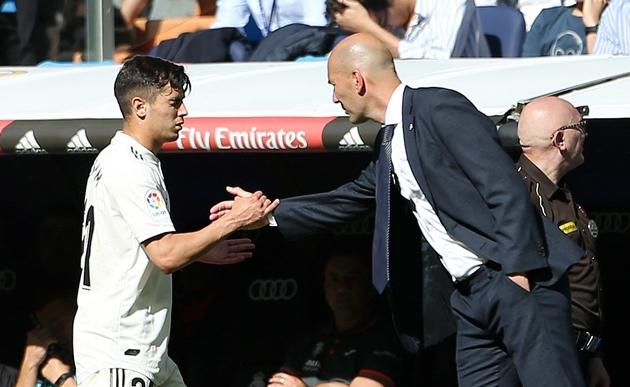 Ana Mena, bạn gái xinh đẹp và tài năng của sao Real Madrid - Bóng Đá