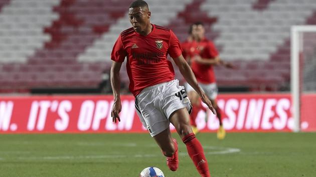 CHÍNH THỨC: Carlos Vinicius gia nhập Tottenham  - Bóng Đá