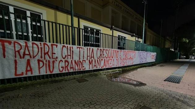 Chiesa bị CĐV sỉ vả khi sang Juve - Bóng Đá