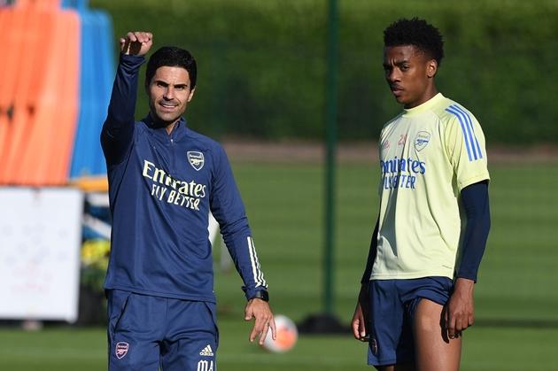 Mikel Arteta has heaped praise on young midfielder Joe Willock - Bóng Đá