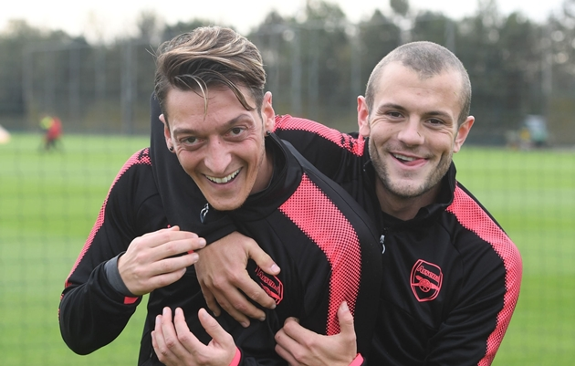 Wilshere reckons Ozil's situation isn't as clear as the club wants us to believe - Bóng Đá